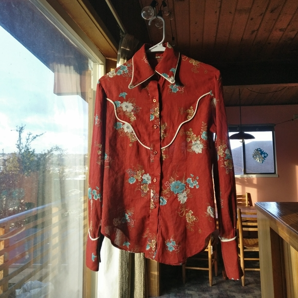 Vintage Floral Button Up / country / western